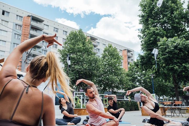 Yoga-Workshop der Love Foundation